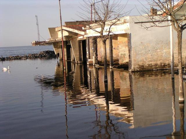 the former bus terminal of Miramar, now under water