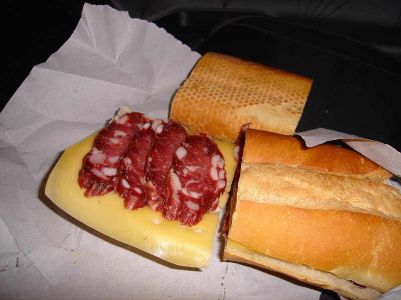 Sandwich de queso y salame de Colonia Caroya - Sandwich of cheese and Colonia Caroya´s salami