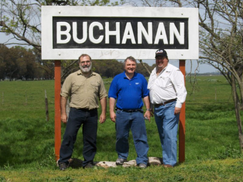 GUSTAVO, VICTOR AND ME AT BUCHANAN RAILROAD STATION