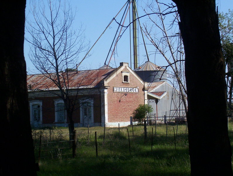 Estación del Ferrocarril de Huanguelen. Railroad station at Huanguenlen