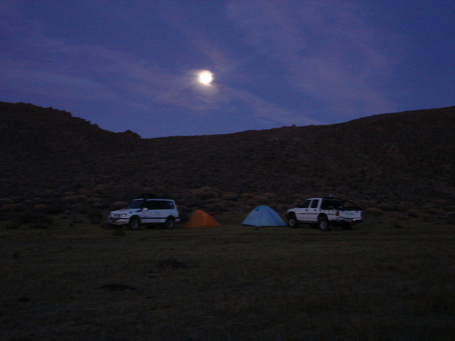 Campamento base a 2100 mts de la confluencia - Base camp at 2100 meters of the confluence