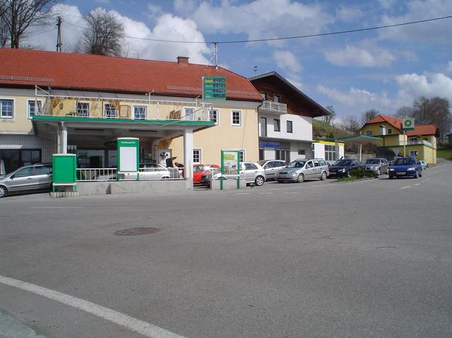 Queue of German cars taking advantage of cheaper fuel prices in Austria