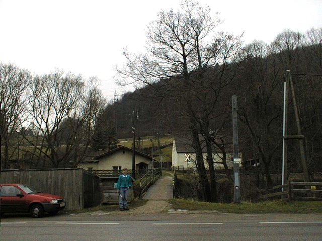 Railway station 1.6 km from the confluence