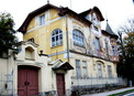 #9: A colourful house in Altenmarkt - 2.5 km from the CP