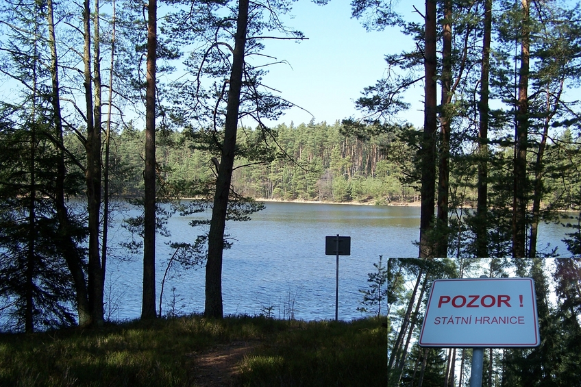 Staňkovský rybník (reservoir) and the border to the Czech Republic