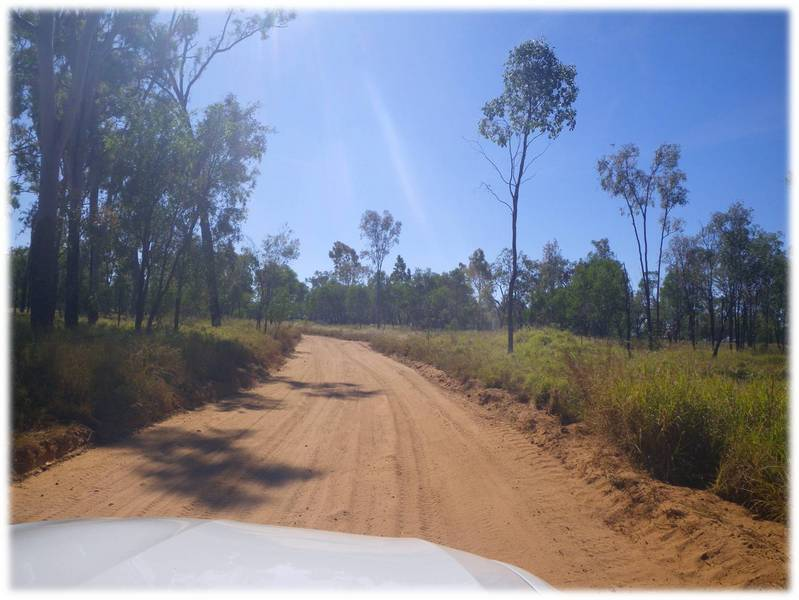 the road west of the Great Dividing Range