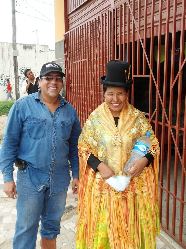 En compañía de la dama Boliviana / Accompanied by the Bolivian lady