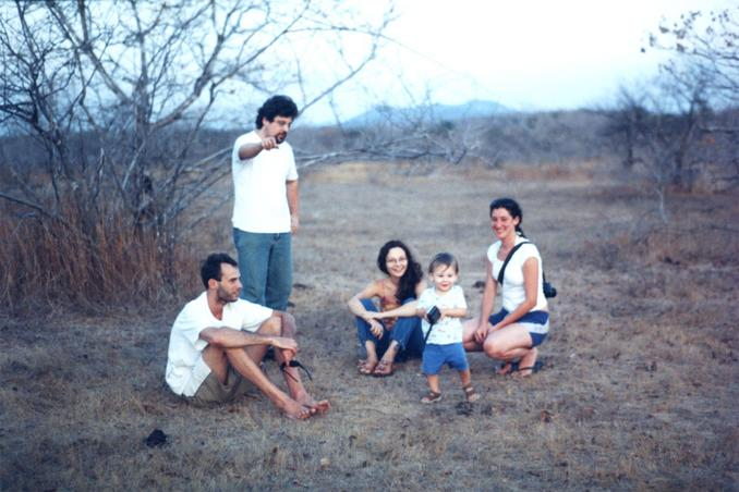 From left to right, in front of the eastern view, Fabio, Tófoli, Flavia, Mateus with the GPS, Cristina