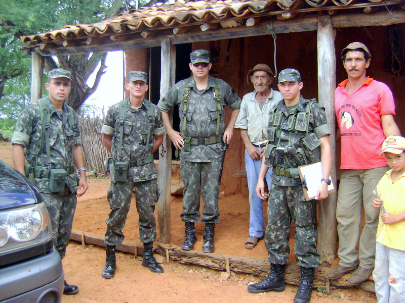 Equipe com nativos, Team with local guys