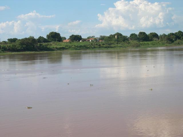 View of Remanso from opposite margin of the river