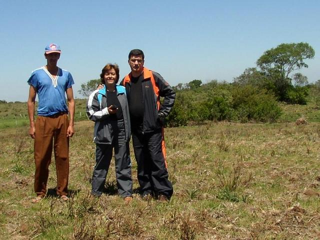 Mr. Leonel (the landowner) and the visitors.