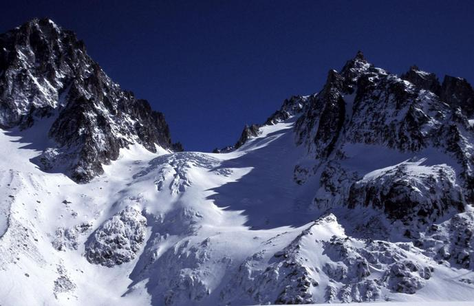 A steep climb to the Col de Chardonnet