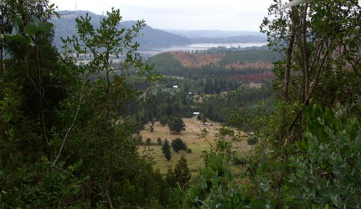 View over and past the confluence to the Rio Bio Bio over the town of Patagua