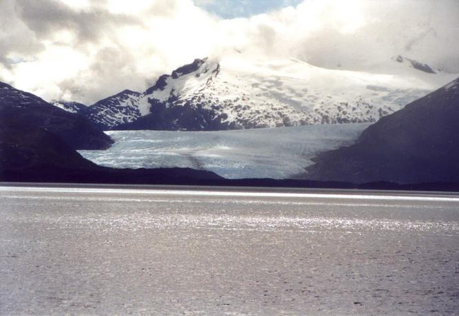 Glacier at slop of Mount Sarmiento