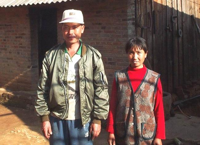 Friendly villagers in the nearby town of Xiao Tang.
