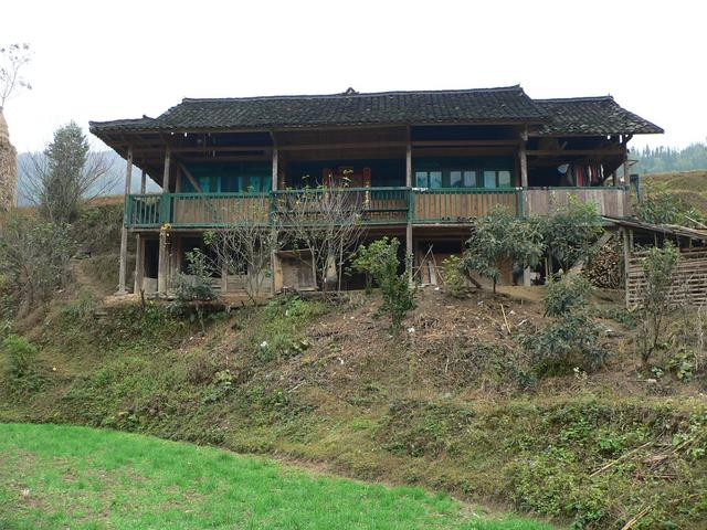 House in Dalüe Village, approximately 200 metres west of confluence.