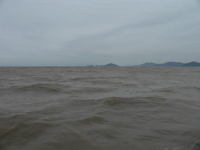 Looking east towards Xiaomen Island (left) and Damen Island