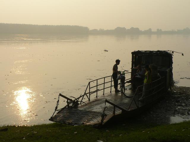 Early morning sunlight on the Songzi River.
