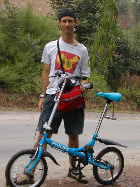 Confluencer and cyclist, Peter Snow Cao ready for action