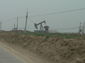 #2: Oil well beside the main road, on the way to the confluence