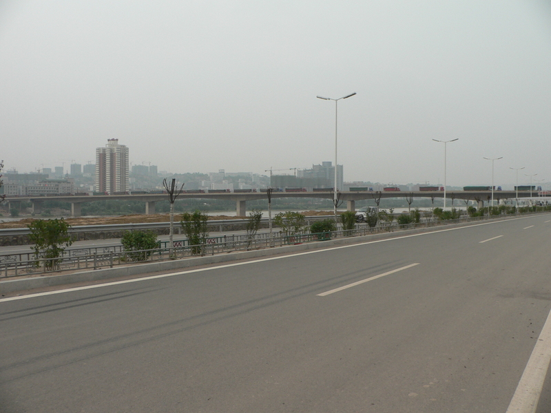 Coal trucks crossing Yellow River from Shǎnxī to Shānxī