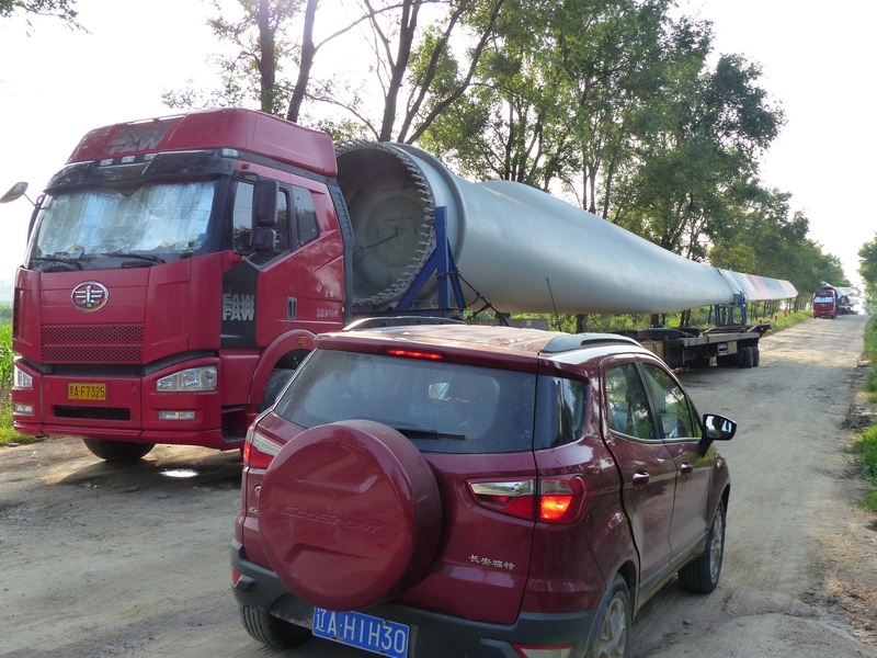 Turbine blades on semitrailers