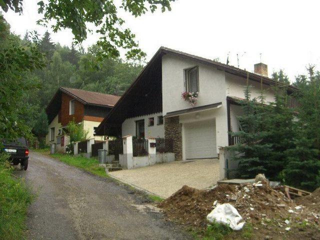 The nearby house / Das benachbarte Haus