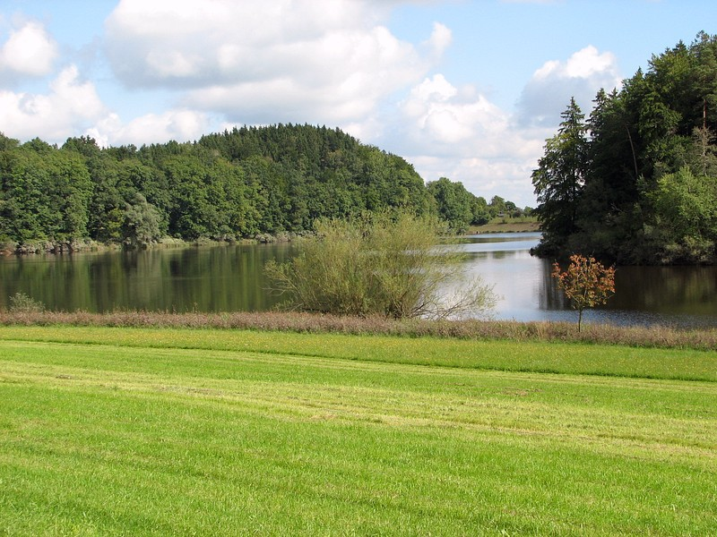 Windachspeicher reservoir 500 m east of the Confluence