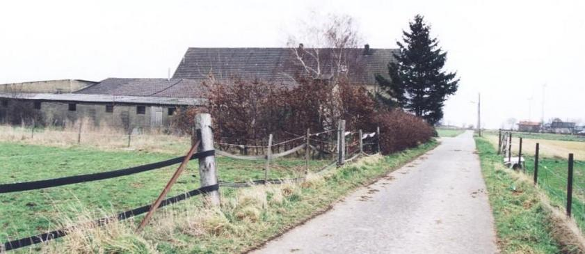 "Farmhouse ""De Lindenhof"" to the East"