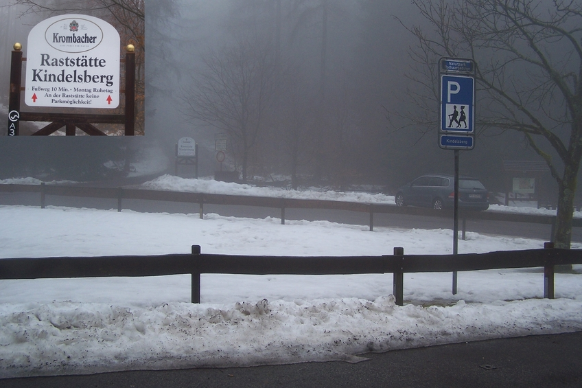Kindelsberg car park in snow and fog