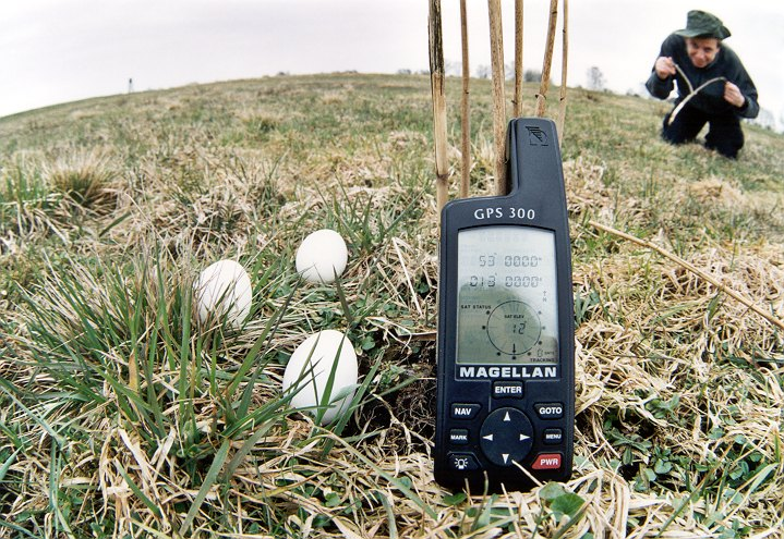GPS and eggs, Andreas F. with dowser on CP, view N