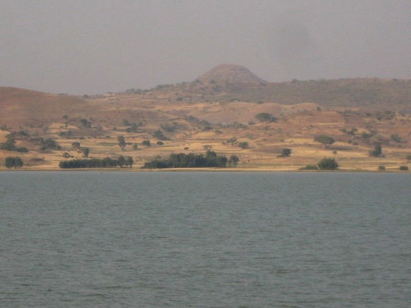 General view of the confluence area, the point 4.2 km away