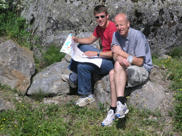 Eivind and Bjørn Henning studying the Jukola maps