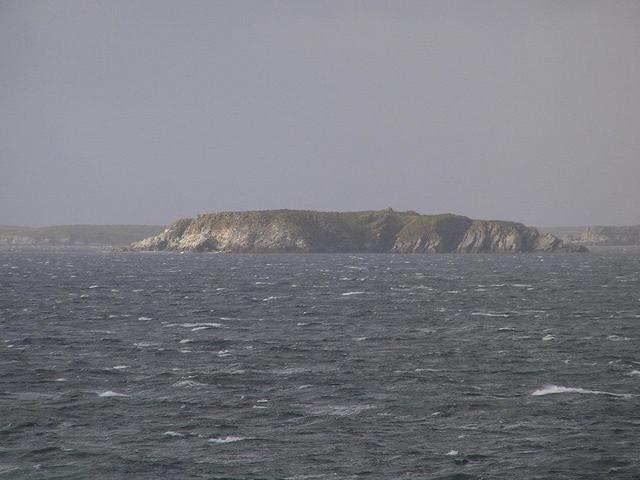 A small off lying island near Grand Jason Island (Isla Rasa Grande)