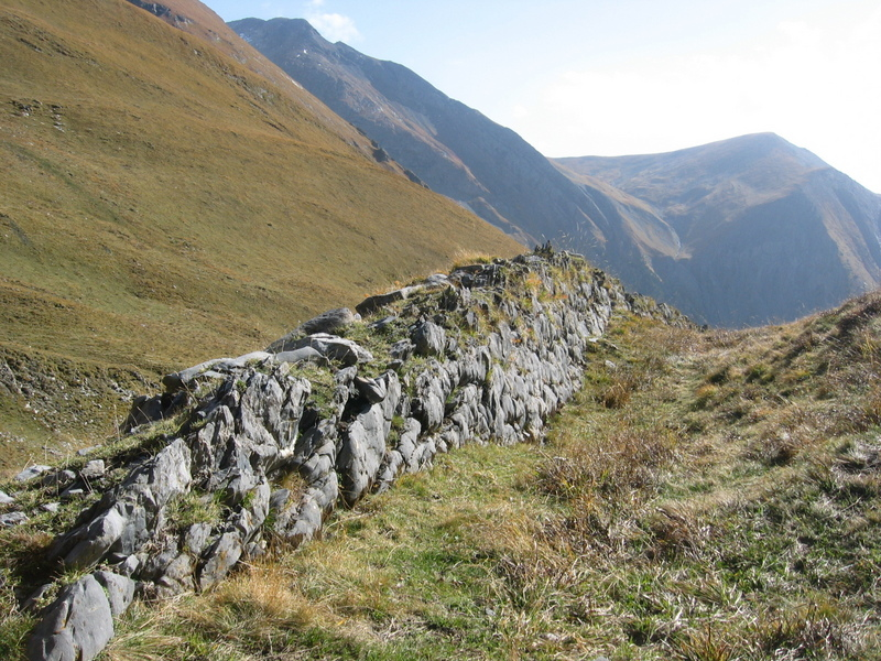 The mysterious stone wall