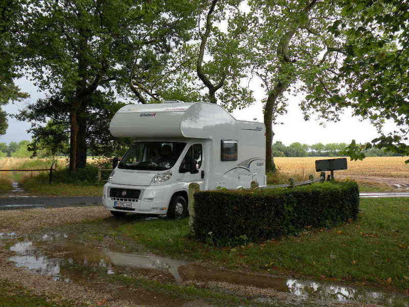 The Campmobile parked 50 m from the Confluence