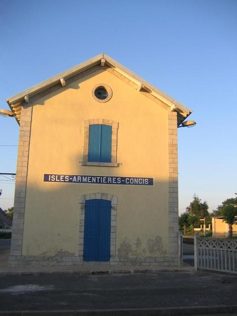 The railway station.