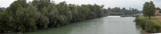 #1: PANORAMIC VIEW OF CONFLUENCE AREA. THE POINT IS IN THE FOREST BESIDE LA MARNE RIVER