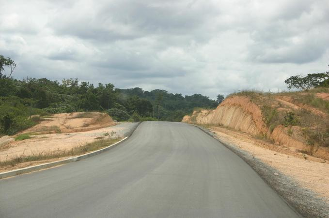 National road n° 2, 270 meters from the confluence point