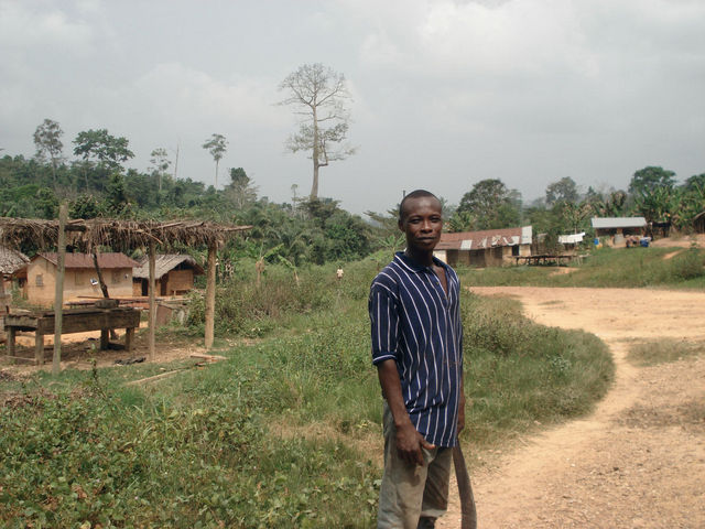 Village of cocoa farmers (some 800 m from site)