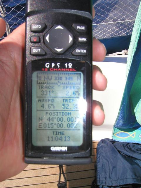 Garmin GPS 12: Position of confluence 44N 15E  reached