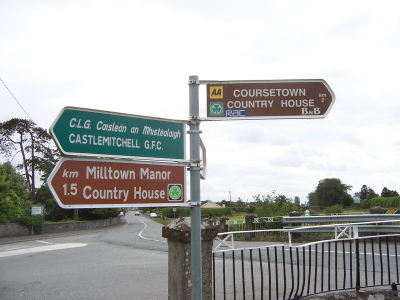 Street signs at the bridge over the canal, looking back towards Athy