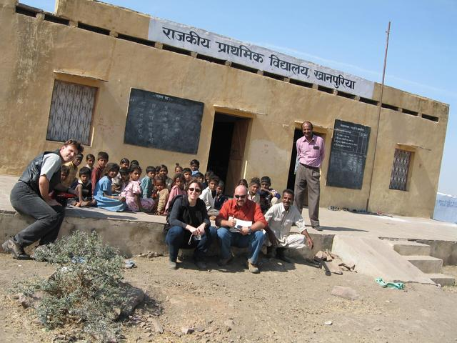Khanpuriya Primary School--on the way to the cp