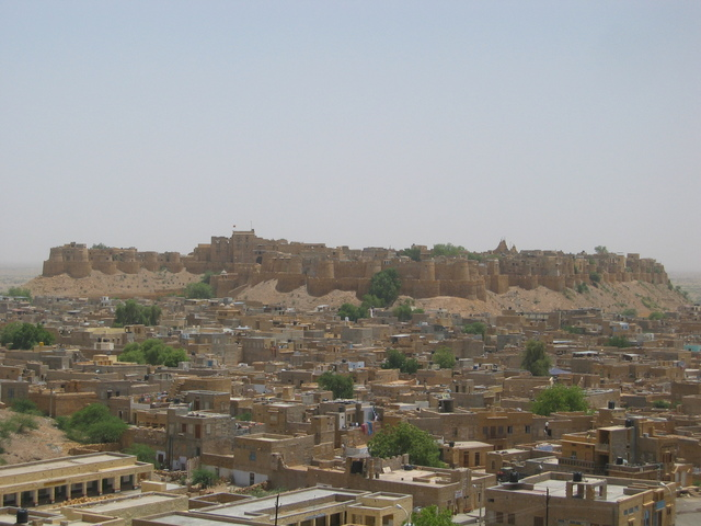 Jaisalmer fort (within 15km of confluence)