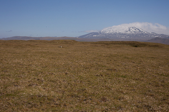 #1: 64Nx20W overview from 100 m west of CP, Hekla in background