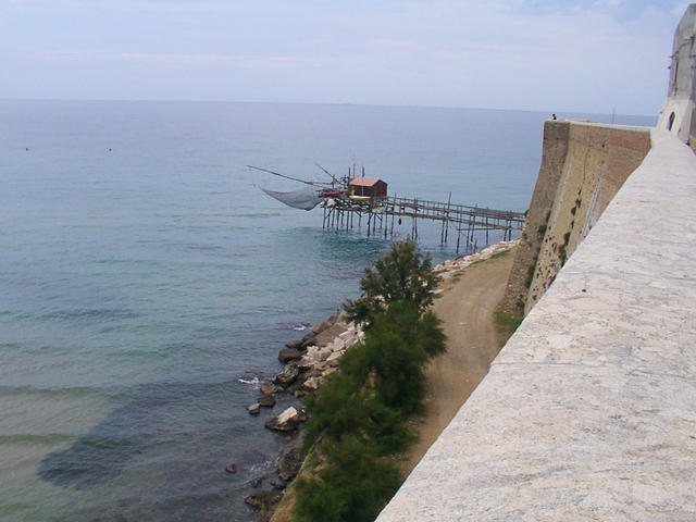 "Termoli: a structure used for fish named ""trabocco"""