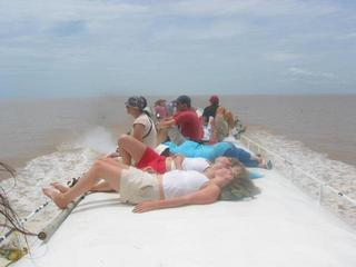 #1: Tourists on the speedboat (2.4 km from the confluence)