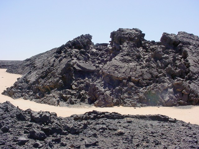 Lava flow 25 kilometers south of 28N 18E