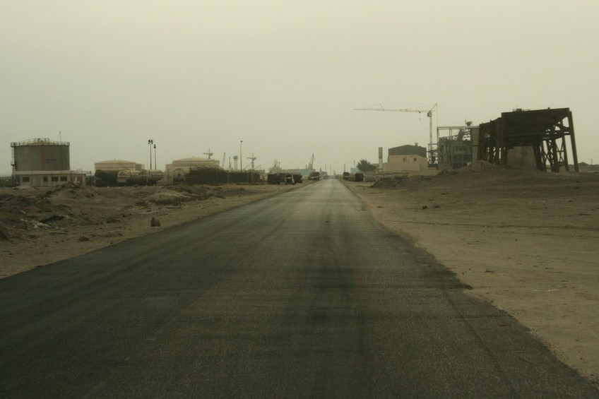 The road to the port