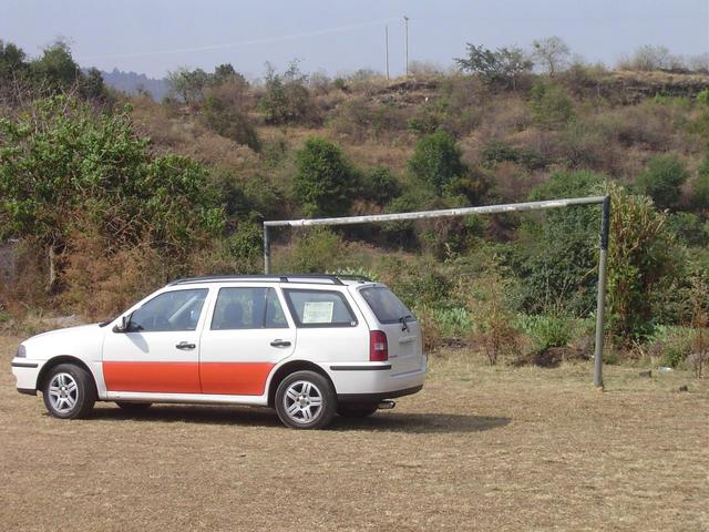 Taxi at goal post